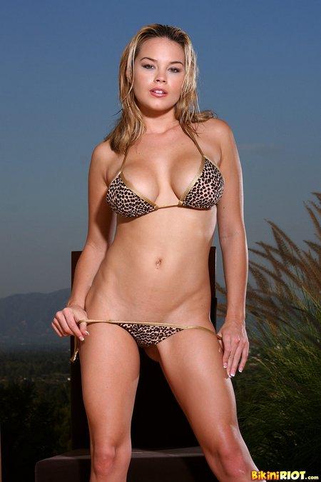 brea-lynn-leopard-print-bikini