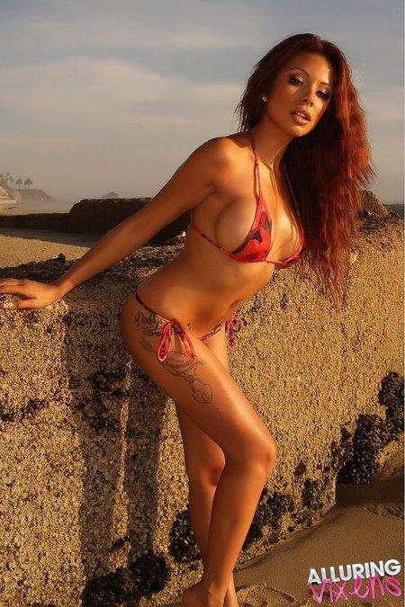 alluringvixens-jerilee-string-bikini